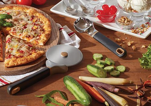 Pizza cutter and tools