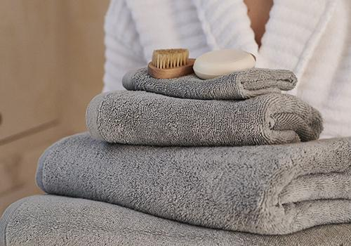 towels, robe, accessories